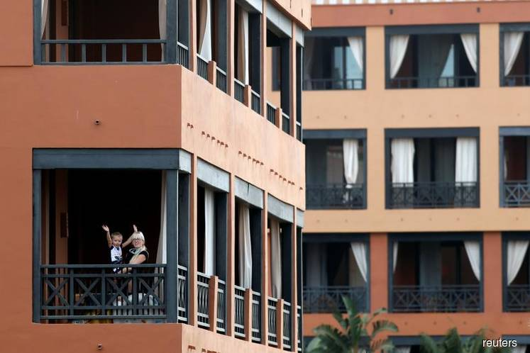 Over 100 guests cleared to leave Tenerife hotel on coronavirus lockdown