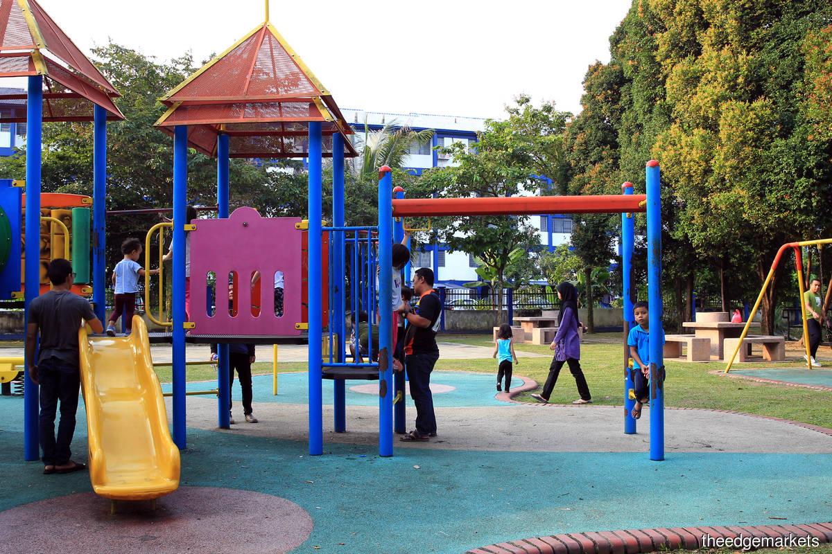 Selangor bans smoking, vaping and drinking at playgrounds, recreational parks