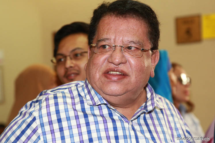 Tengku Adnan succeeds in bid to have passport temporarily