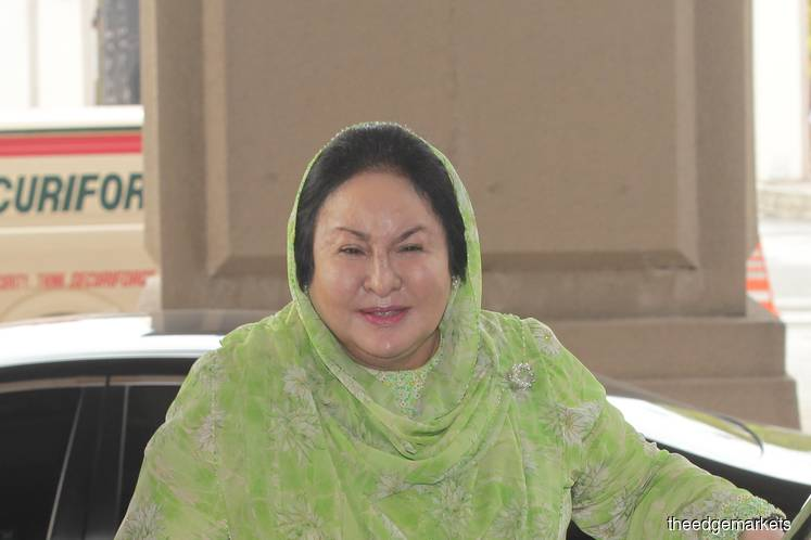Rosmah refuses to leave accused dock during lunch break, prompting early adjournment