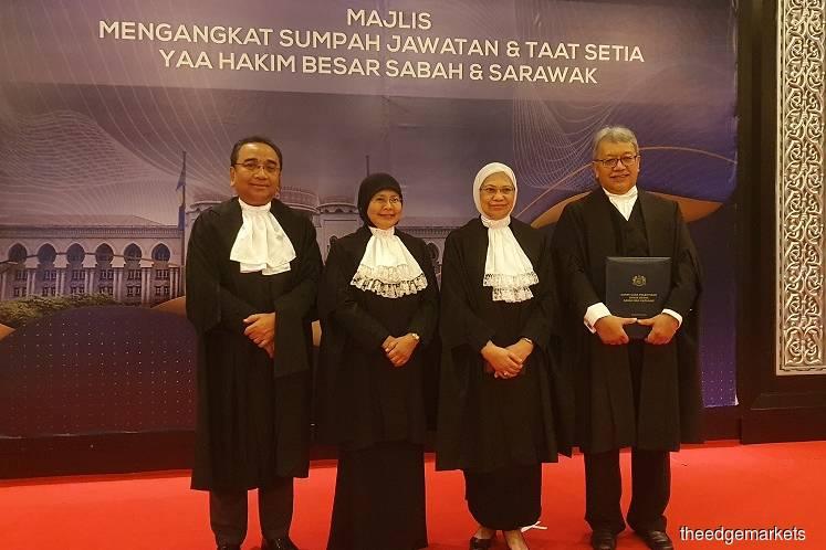 Justice Abang Iskandar (far right) with Tengku Maimun (second left) and Chief Judge of Malaya Tan Sri Azahar Mohamed and Court of Appeal president Datuk Rohana Yusuf. (Photo by Hafiz Yatim/The Edge)