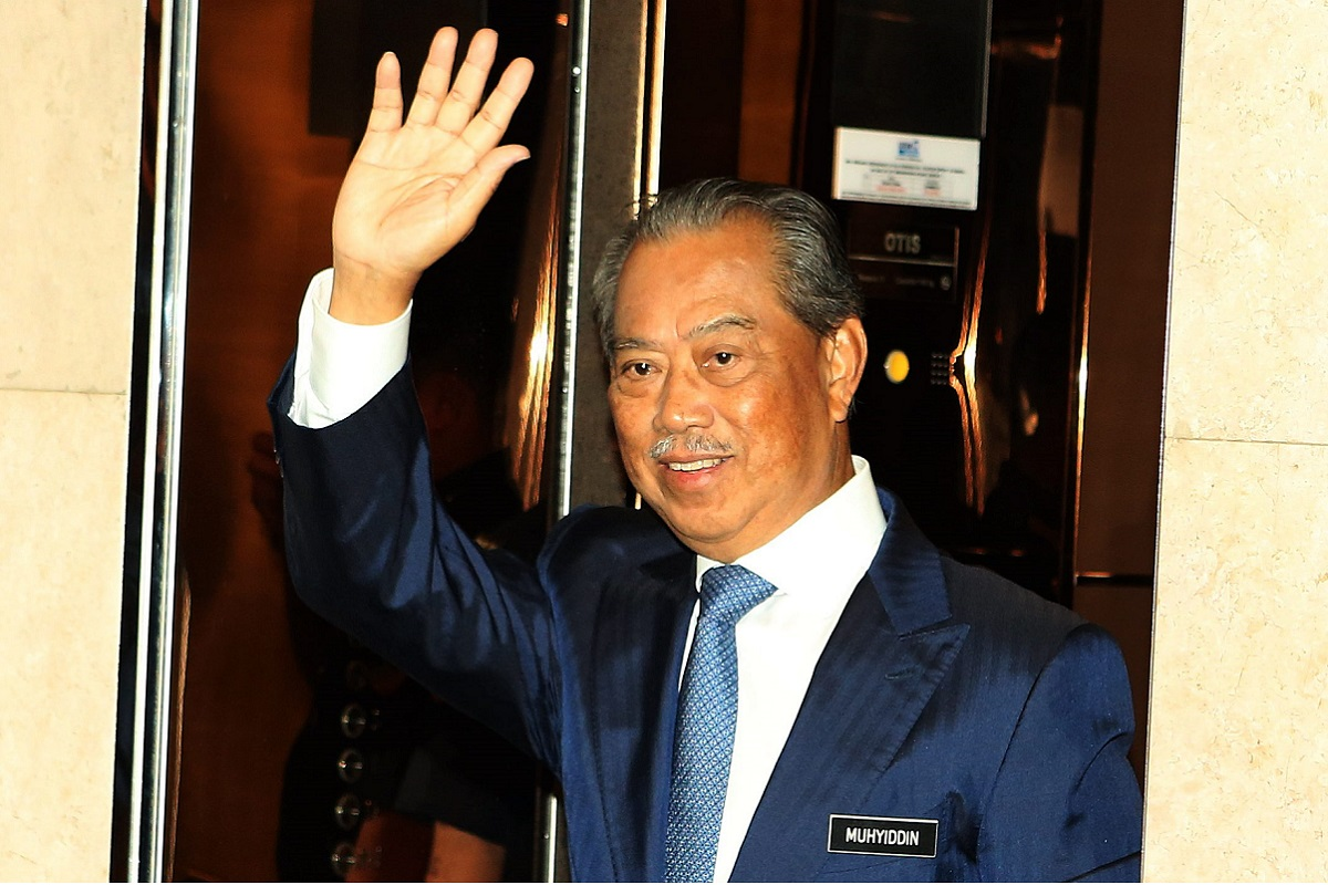 Muhyiddin: Youths who are capable of leading themselves would not only stay clear of unhealthy activities but also become patriotic citizens who can contribute to society with a keen sense of the social and volunteer service culture.