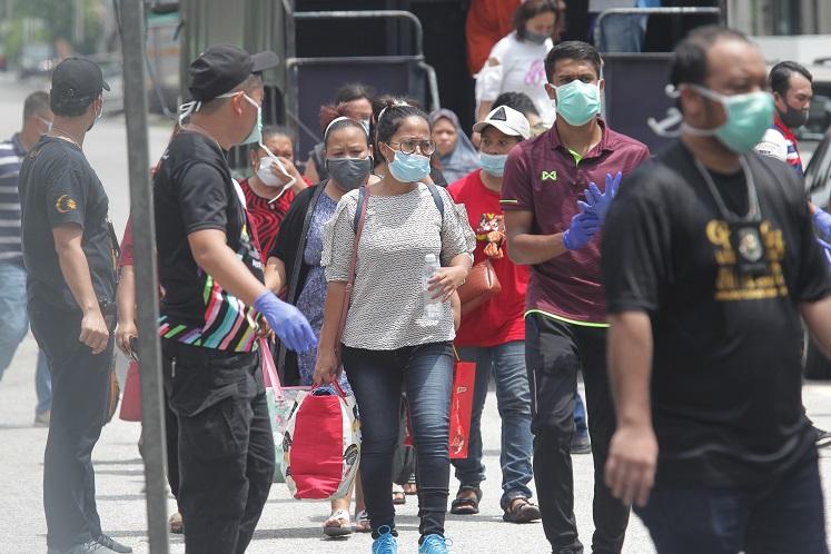 Immigration authorities nab 200 illegal migrants around PJ Old Town market