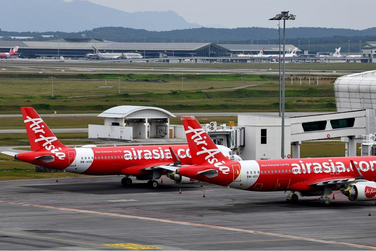 亚航宣布发行回债 股价应声挫
