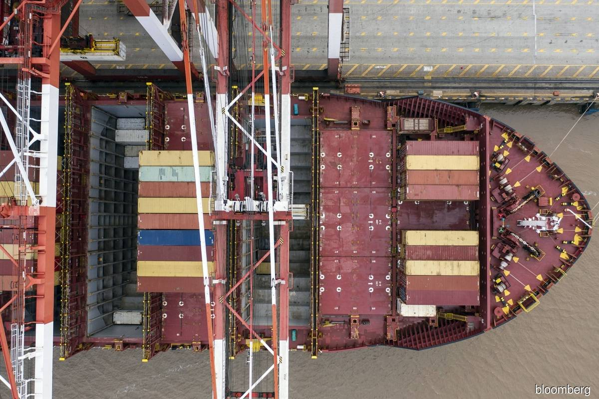 The shipping industry wants to be taxed for its carbon emissions