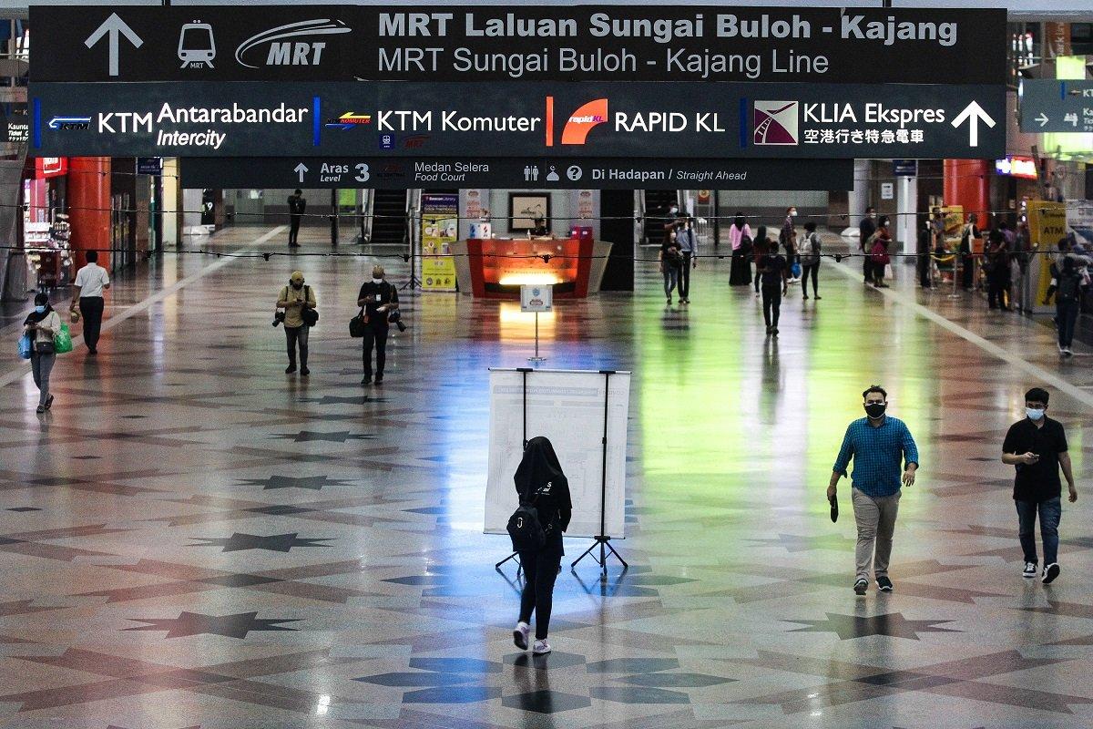 6月15日,吉隆坡中环车站。(摄影:Zahid Izzani Mohd Said/The Edge)