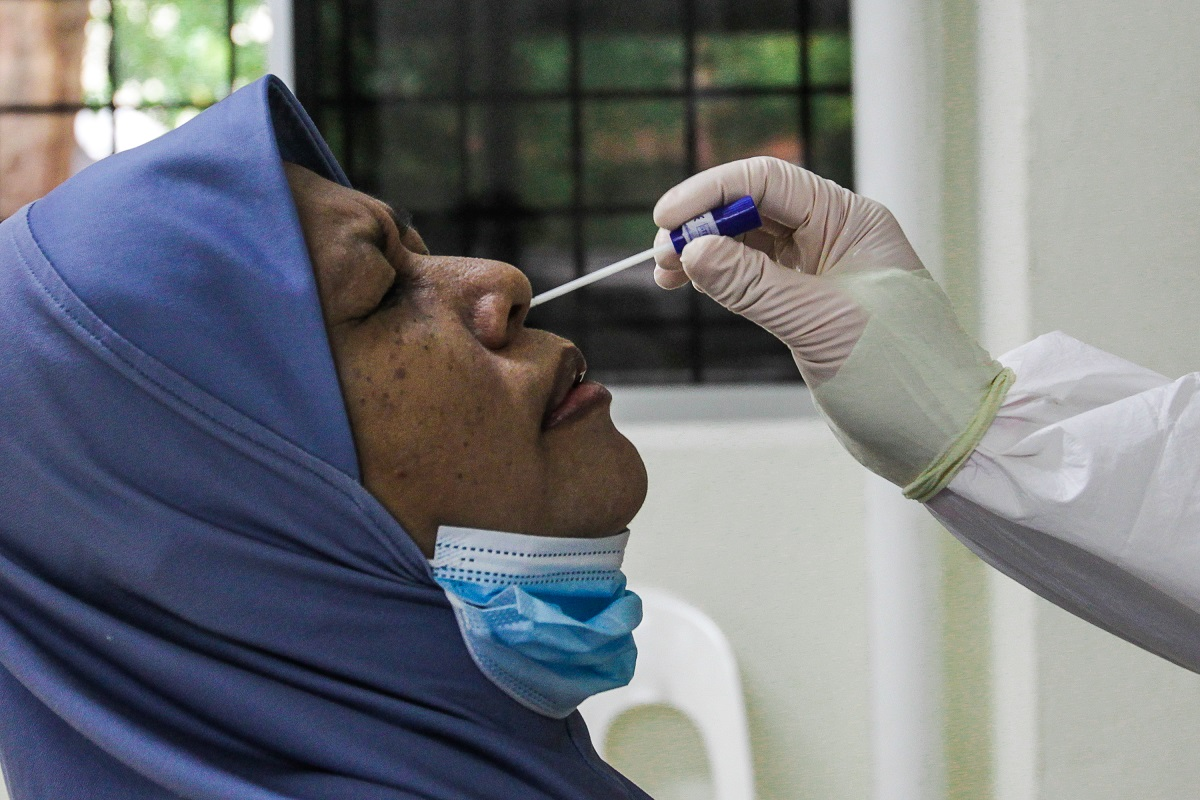 Including today's cases, the cumulative number of confirmed infections in the country totalled 1.11 million. (Photo by Zahid Izzani Mohd Said/The Edge)