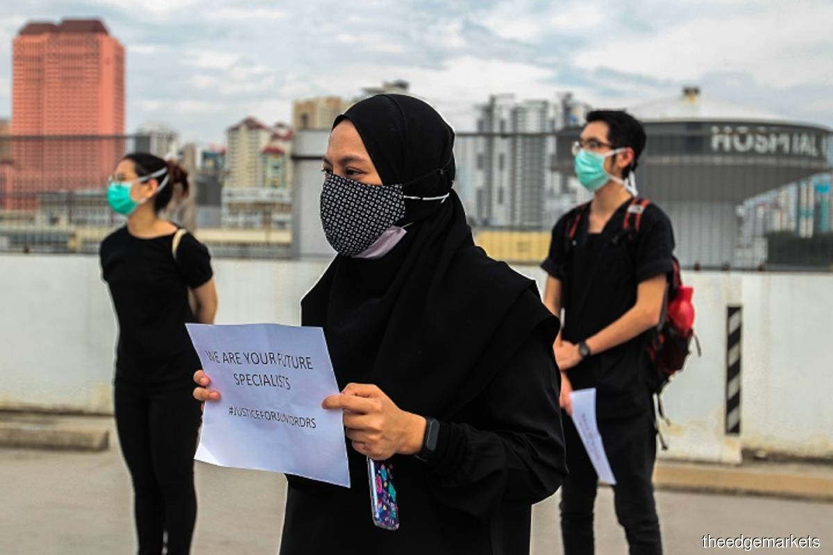 Government hospitals' contract doctors carried out mass walkouts at Hospital Kuala Lumpur (HKL) on Monday, July 26, 2021, in a nationwide strike to demand job security and better career opportunities. (Photo by Zahid Izzani/The Edge)