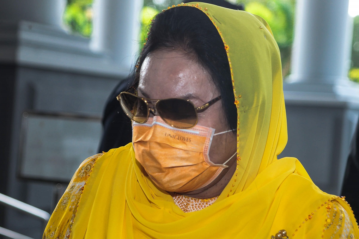 Rosmah (pic) was charged with soliciting a RM187.5 million bribe for the RM1.25 billion project awarded to Jepak Holdings Sdn Bhd, from the company's then managing director Saidi Abang Samsudin, between January and April 2016, through her aide Datuk Rizal Mansor. (Photo by Zahid Izzani Mohd Said/The Edge)