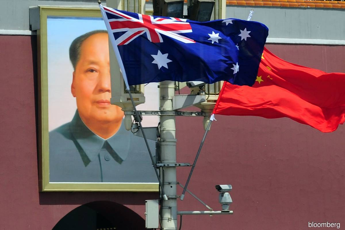 China tensions make Australian firms wary, but not running for door