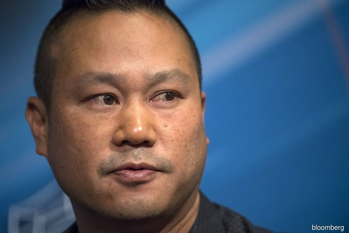 Zappos co-founder Tony Hsieh dies at 46