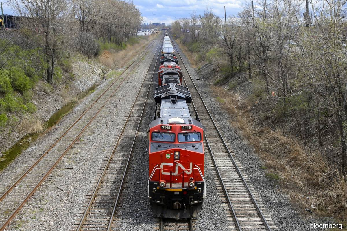 K.C. Southern shareholders should vote for CN offer, ISS says