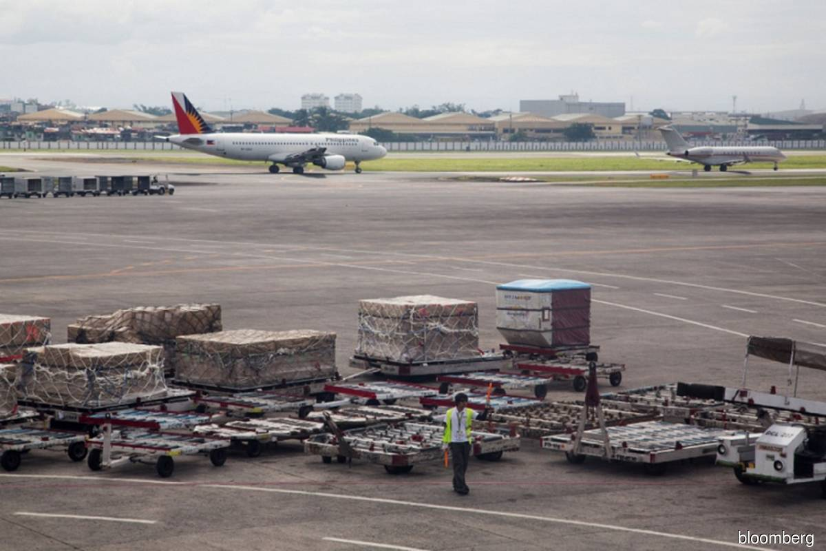 Philippine Air aims to complete restructuring this year