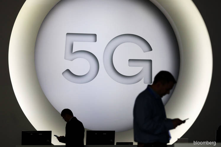 U.S. warns against including Huawei in any part of 5G network