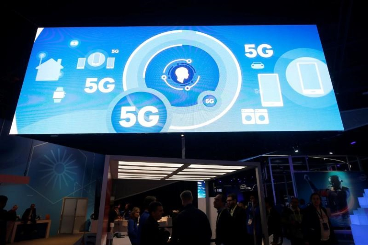 With the wider fibre optic network, the country will be better prepared to switch to 5G in the near future, said the prime minister. (Photo by Reuters)