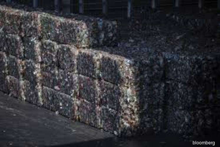 Australia agrees to ban exporting recyclable waste