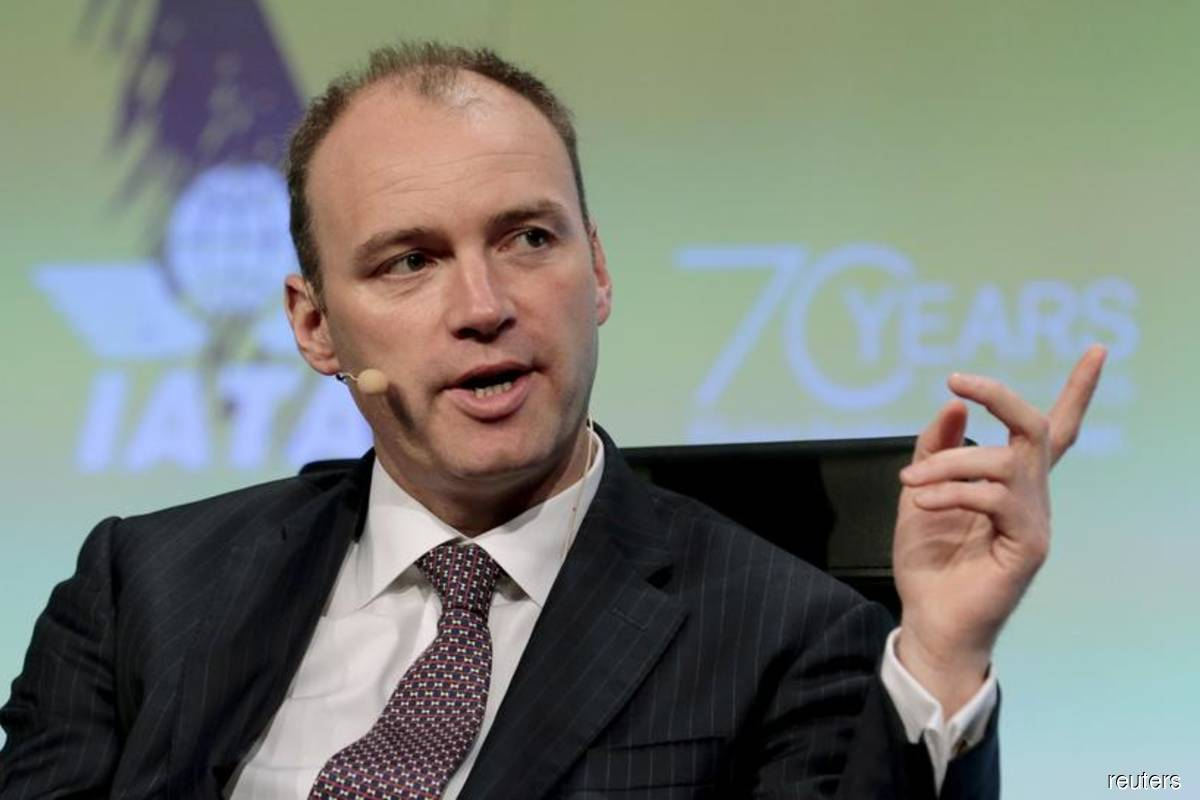 AerCap CEO Aengus Kelly speaks at a panel discussion during the 2015 IATA AGM and World Air Transport Summit at Miami Beach, Florida, US on June 8, 2015 (Reuters file photo by Joe Skipper)