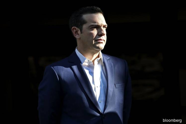 Greece's Tsipras on the brink as confidence vote looms this week