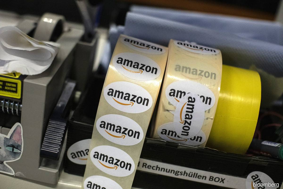 Amazon considers relocating some employees out of Seattle