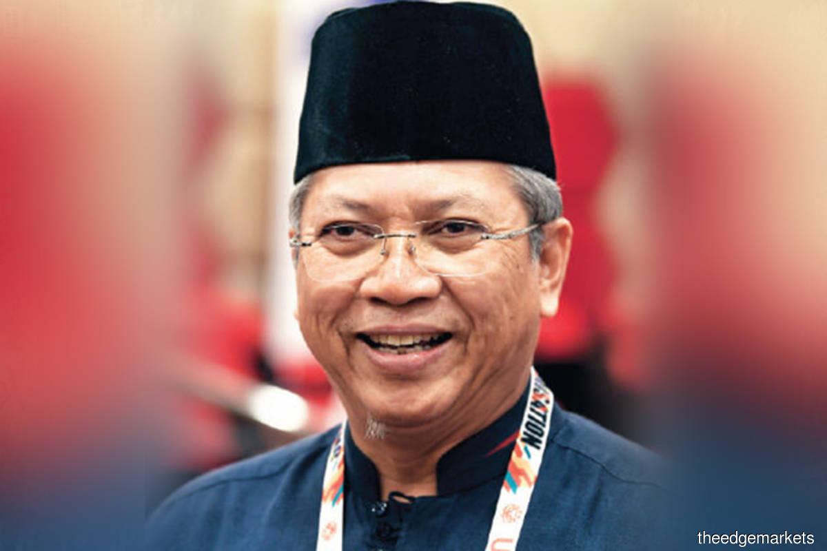 Communications and Multimedia Minister Tan Sri Annuar Musa