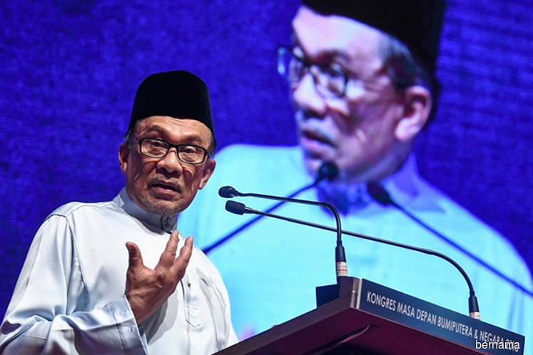Anwar: Umno exodus being used by some to drive wedge between me and Dr Mahathir