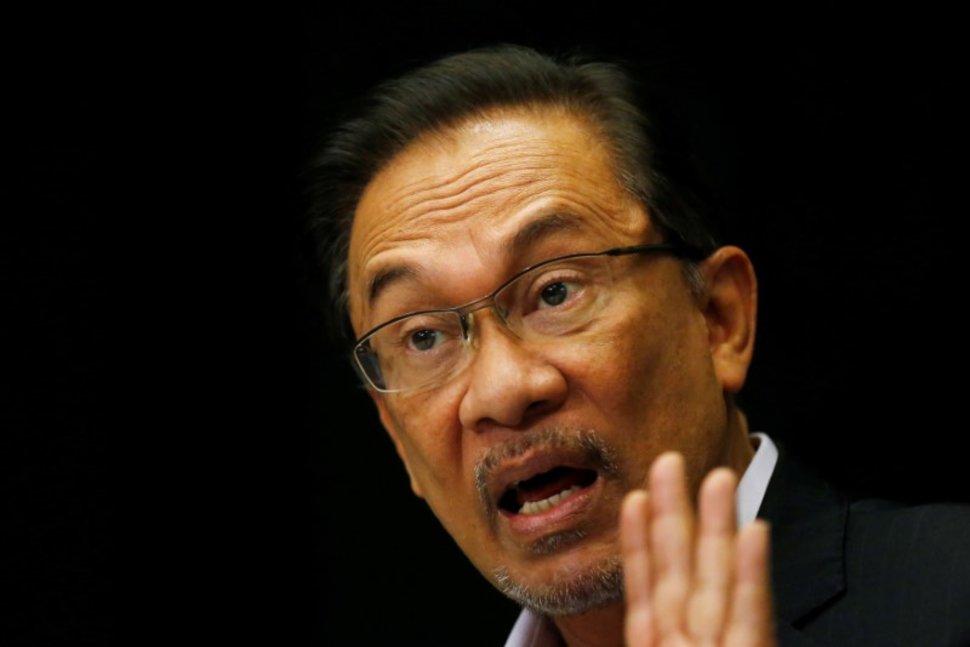 Anwar orders PKR members to stop squabbling