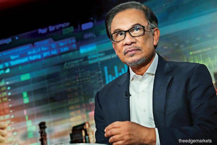 Anwar dismisses claim he views Azmin a threat