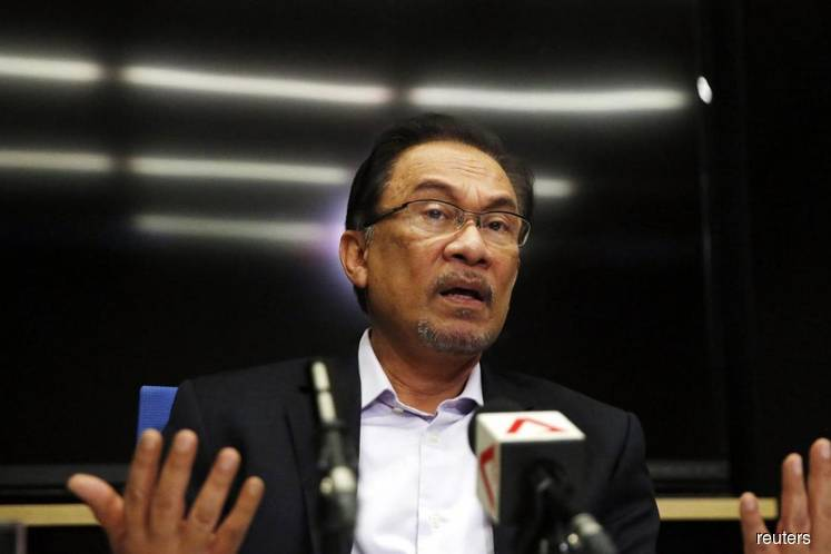 Anwar chairs special PKR Central Leadership Council meeting