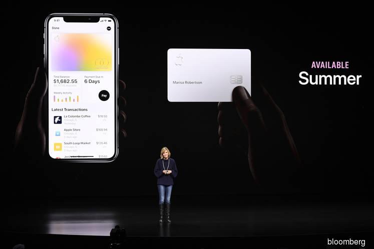 Apple Debuts Titanium Credit Card With Goldman, Mastercard