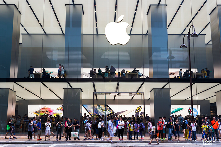 Apple warns stores about a shortage of replacement iPhones