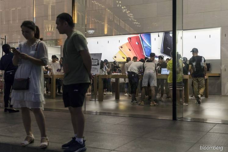 Apple Closes More Stores in China as Coronavirus Spreads