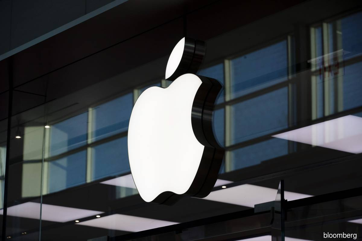 Apple loses US$450b in value since record on iPhone woes