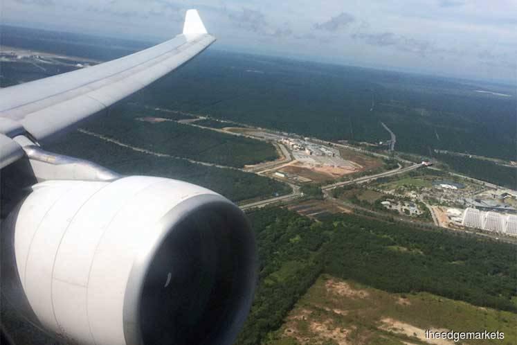AirAsia aircraft to klia2 turns back to Langkawi