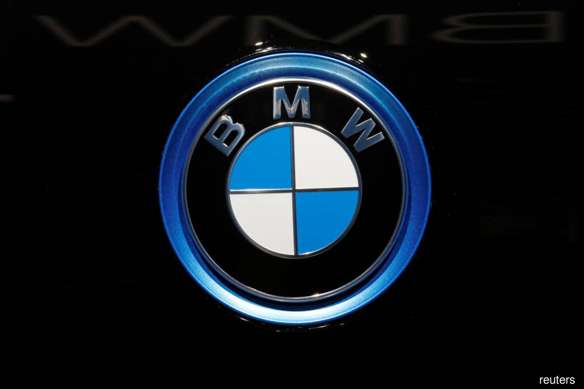 BMW says 3Q cash flow in auto segment above expectations