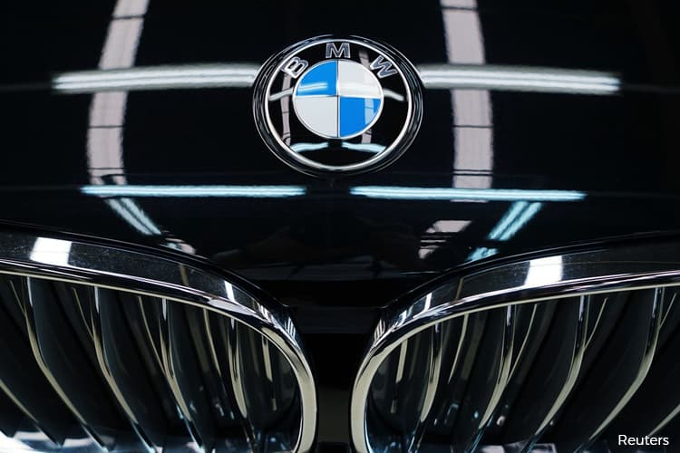 BMW Beats Mercedes by Just 34 Cars in Tight U.S. Sales Race