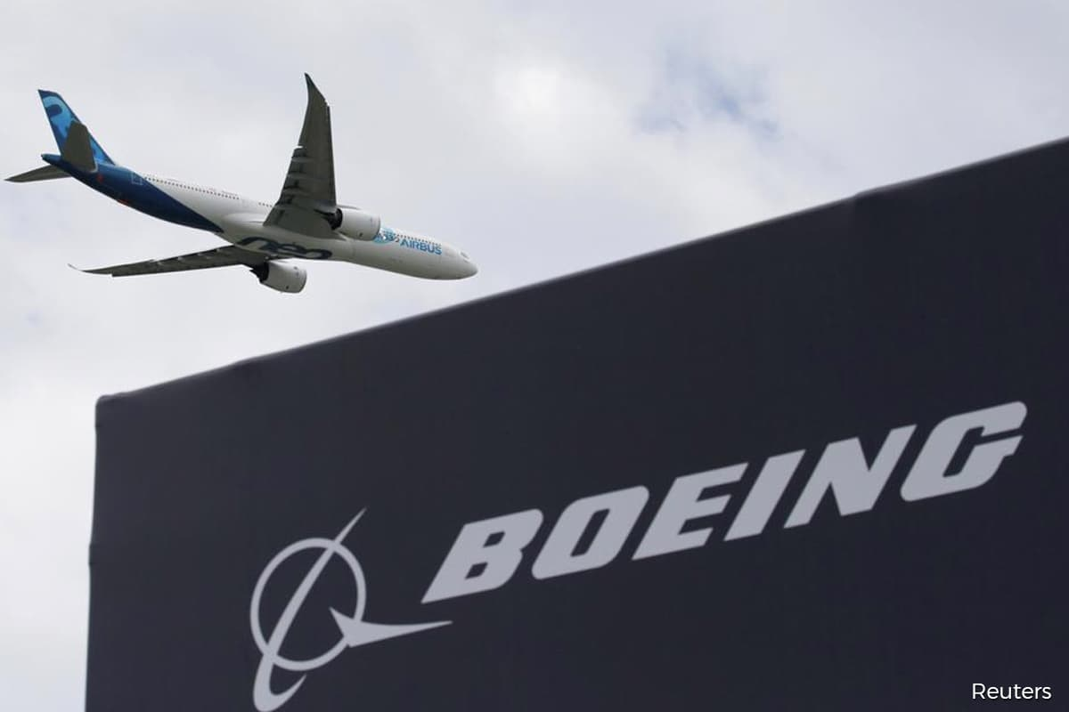 Boeing plans deeper job cuts with new voluntary buyout offer