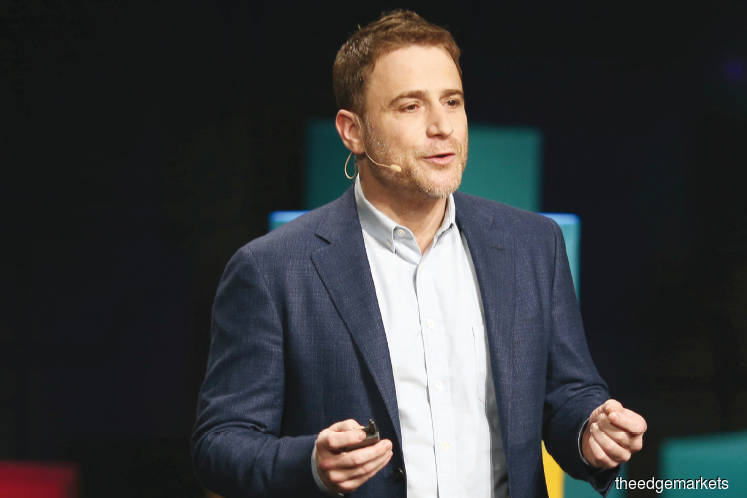Tech: The rise of Slack and the death of corporate email