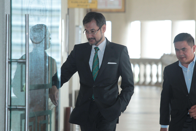 Shahrol称刘特佐要他保管4张总值1亿美元 来自沙地王子的支票