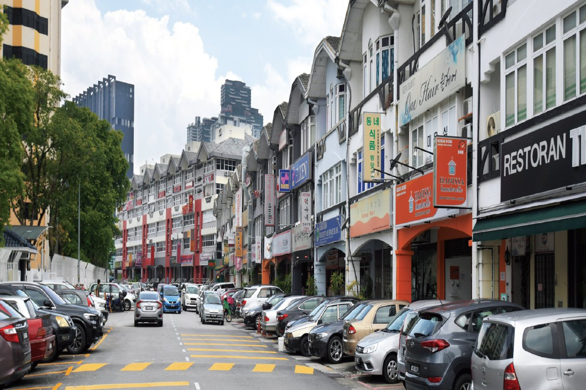 The F&B businesses in Jalan Ampang Utama 1/1 and 2/2 are mostly occupied by Korean restaurants, along with local businesses that cater for the needs of the surrounding [community] (Photo by Patrick Goh/The Edge)