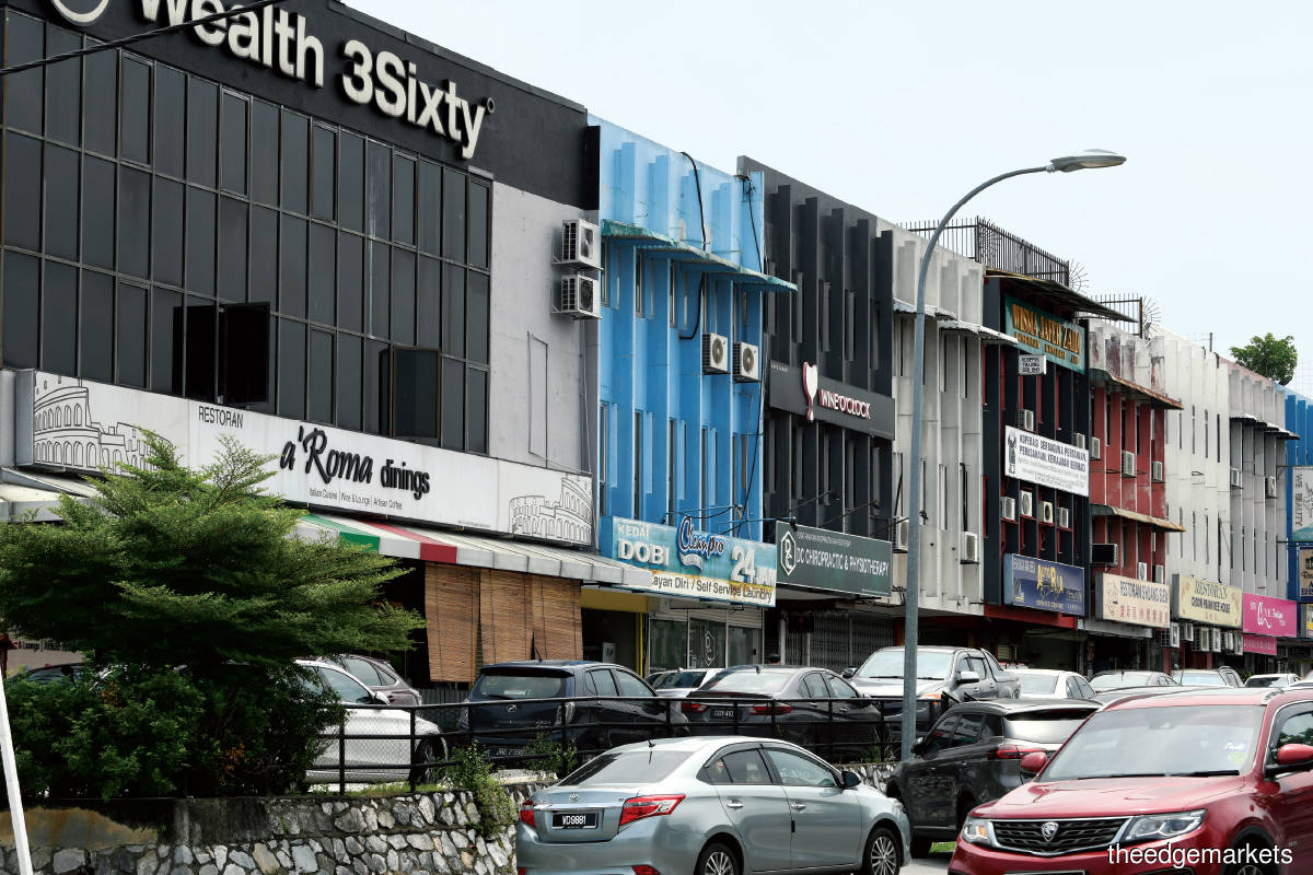 Very few transactions were recorded of the shopoffices in Jalan 20/14 and Jalan 20/16a in Taman Paramount (Photo by Patrick Goh/The Edge)