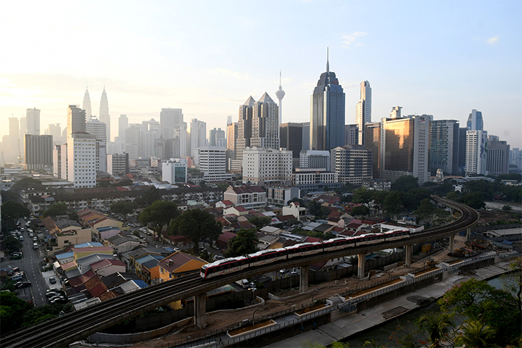 The Edge |  Kuala lumpur and selangor office Monitor (2Q2020): Downward pressure on rents and occupancy rates expected (Photo by Low Yen Yeing / Edgeprop.My)