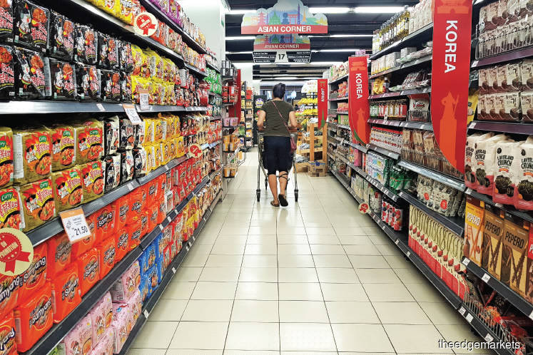 The CPI's food and non-alcoholic beverages component has been consistent at 1.2% for the third consecutive month (Photo by Suhaimi Yusuf/The Edge)