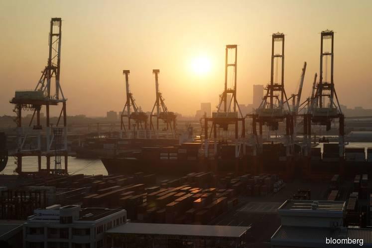Japan Export Slump Deepens as Shipments Drop Most Since 2016