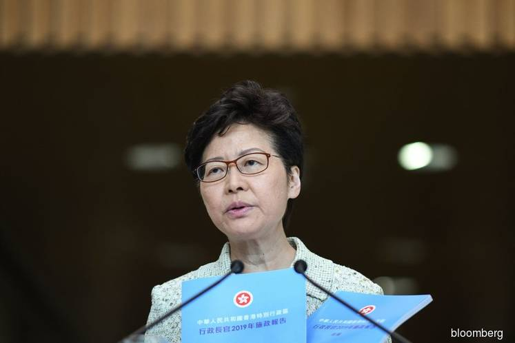 Lam to Present Policy Speech as Hong Kong Braces for Recession