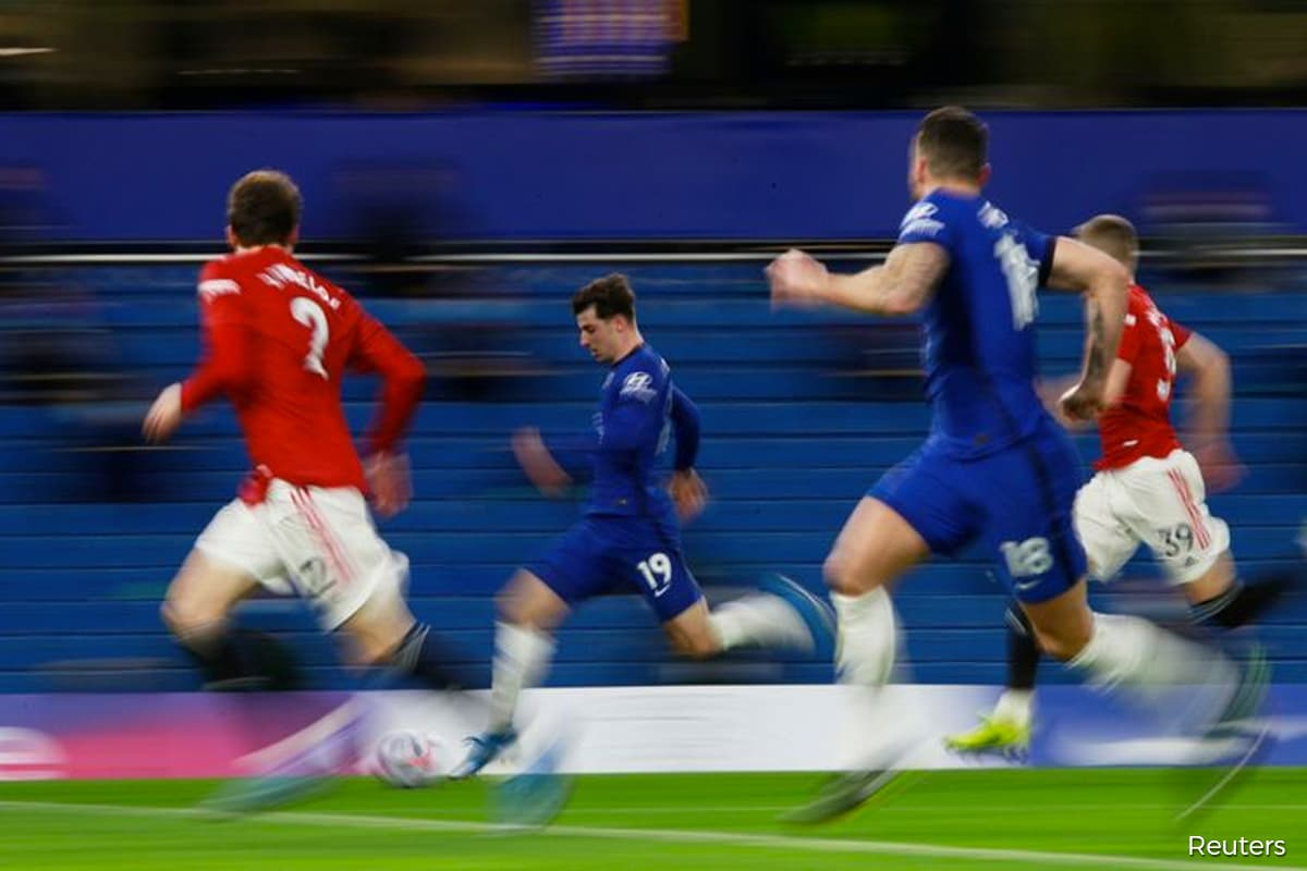 Chelsea and United draw, Liverpool win as top-four battle heats up