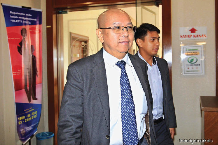 Chew (left) says he would not have proposed the political donation had Ahmad Zahid not been the then DPM and home affairs minister. <em>Photo by Shahrin Yahya</em>