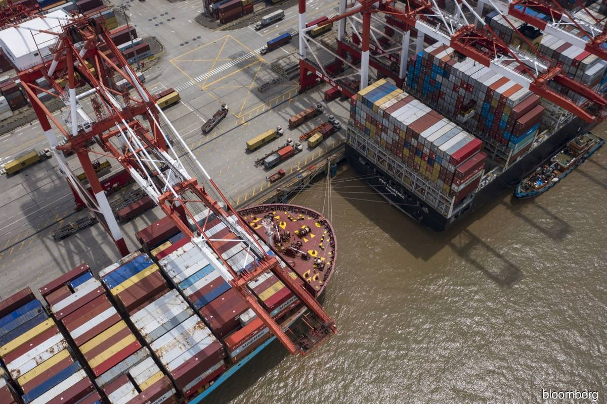 China's imports, exports surge as global economy reopens