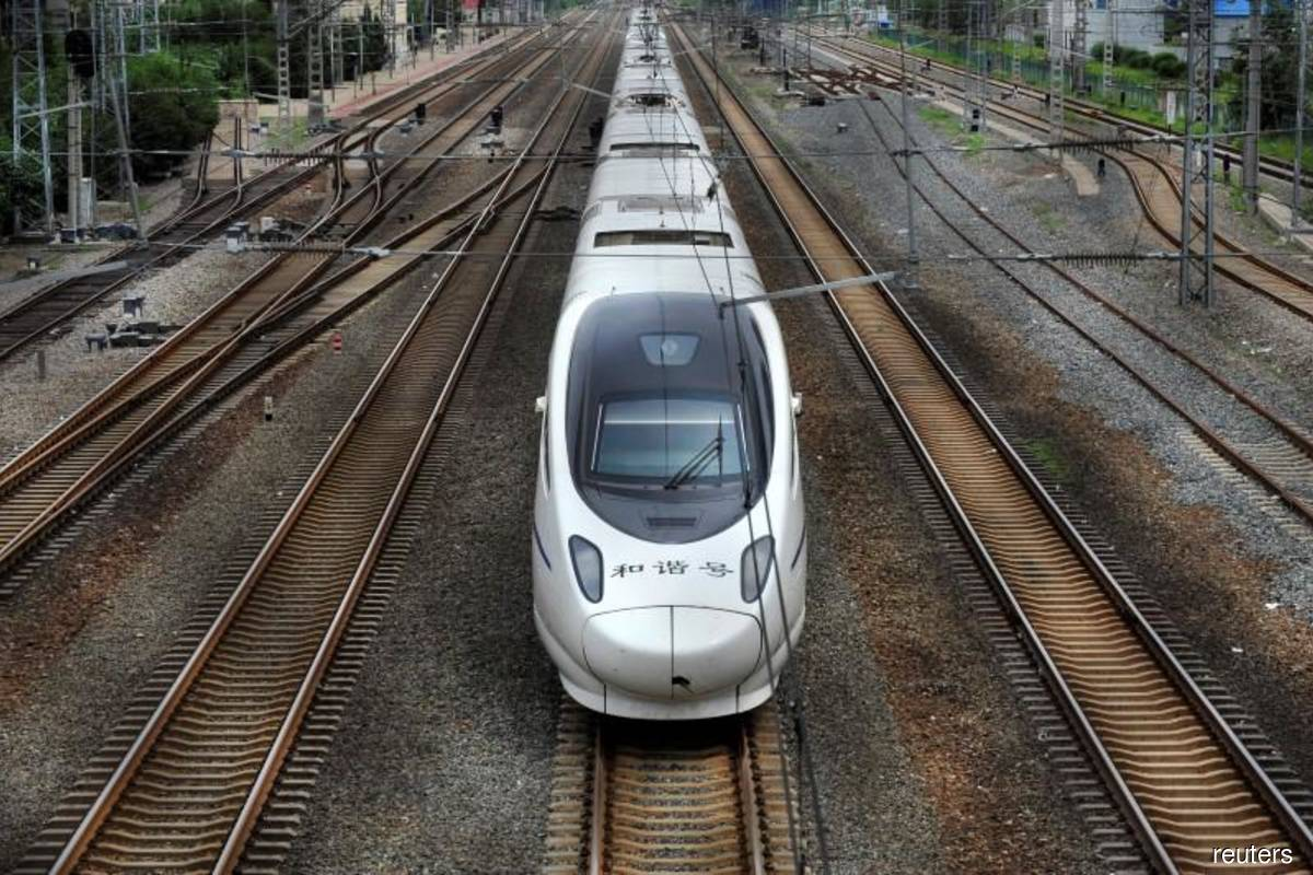 Thailand, China ink deal to build high-speed railway