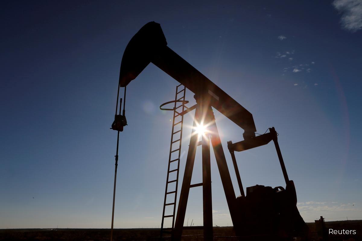 Oil settles higher on improving U.S. gasoline demand