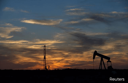 Oil edges up, but U.S. drilling drags on prices